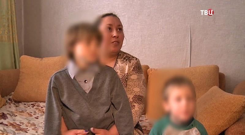 Семерых приемных детей после сообщений вСМИ вернули всемью вХакасии
