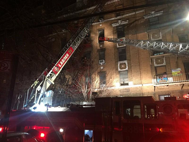 Возгорание дома в Нью-Йорке