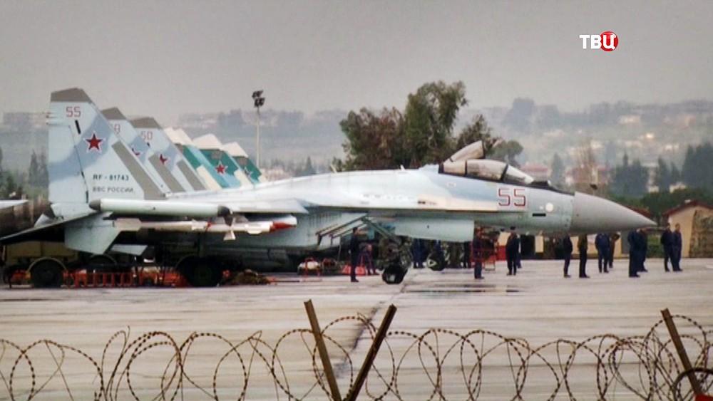 Истребители ВКС России на авиабазе в Сирии