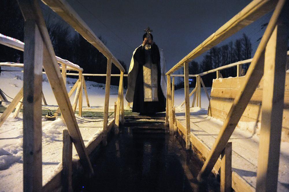 11 Православные отмечают Крещение Господне