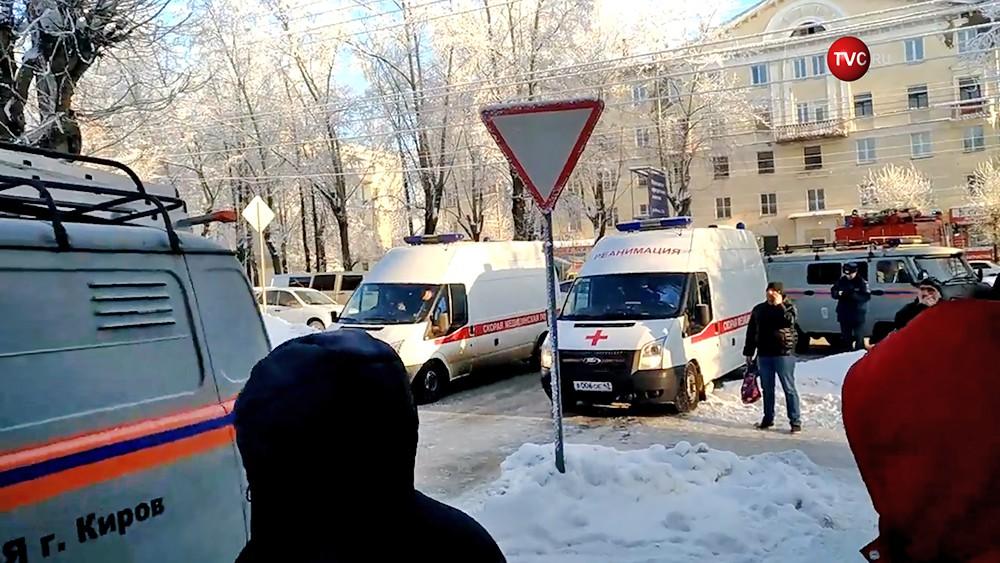 Экстренные службы Кирова на месте происшествия