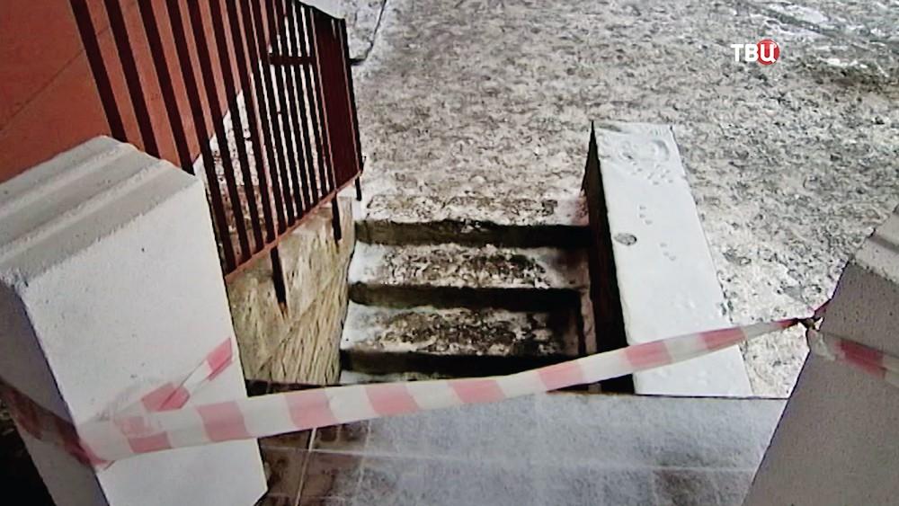 Закрытый подвал дома