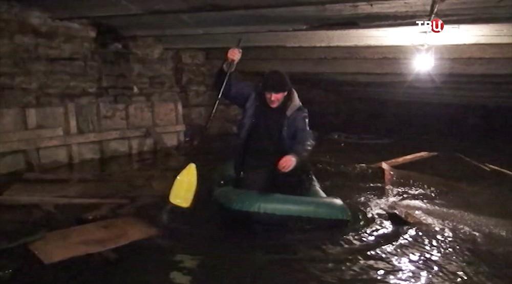 Затопленный подвал дома в Санкт-Петербурге