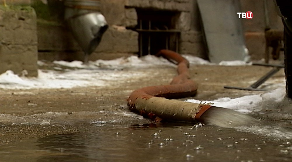 Откачка воды из подвала дома