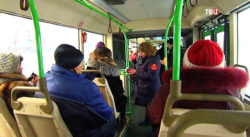 Контроллер в автобусе