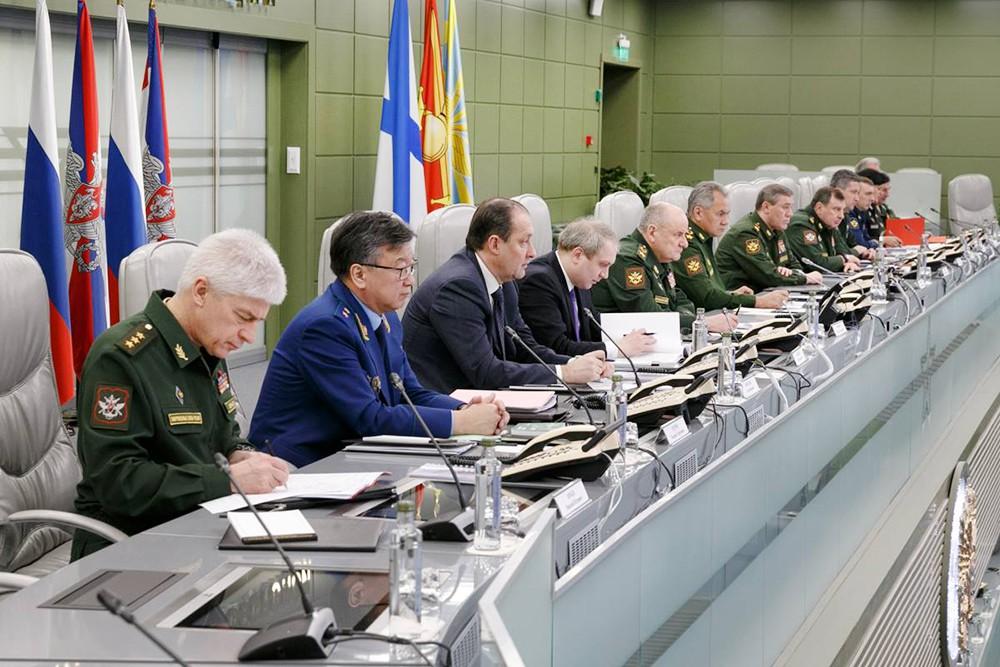 Заседание в Национальном центре управления обороной Российской Федерации