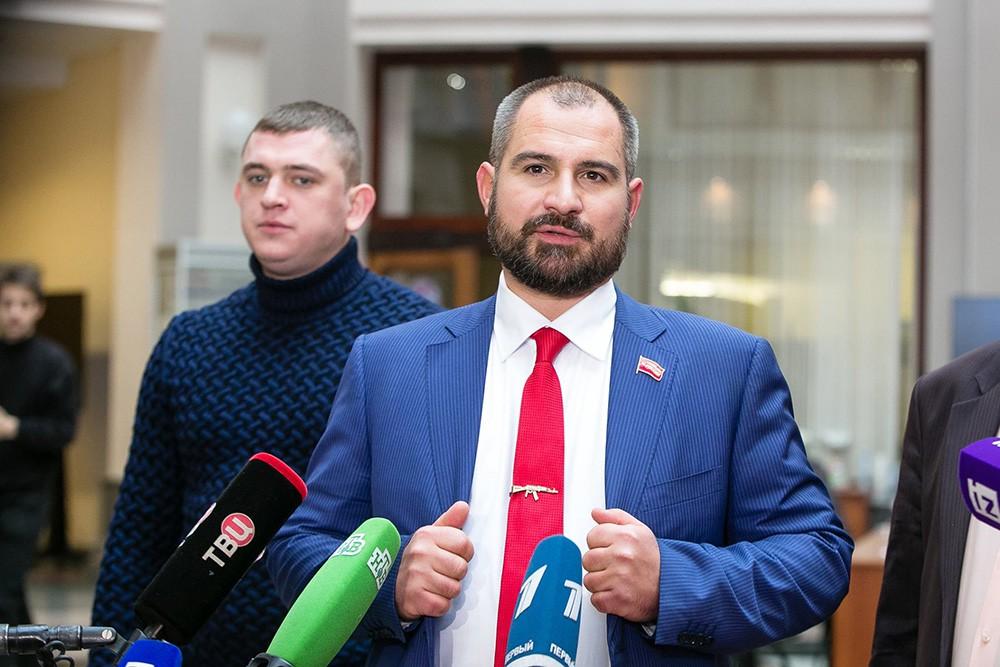 """Лидер партии """"Коммунисты России"""" Максим Сурайкин"""