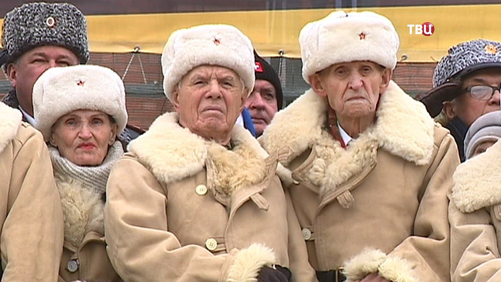 Ветераны на параде