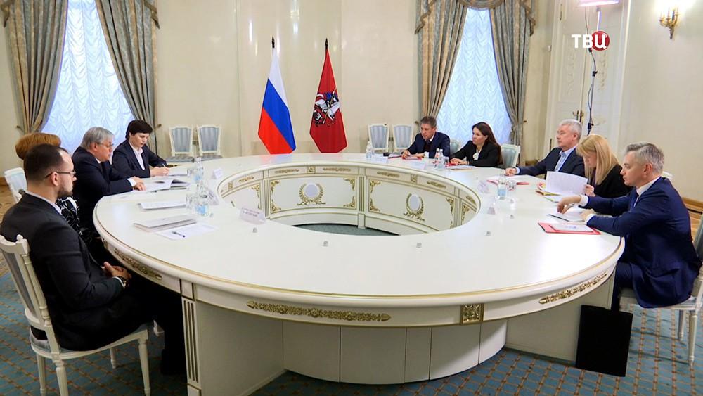 Собянин встретился с представителями столичного отделения ОНФ