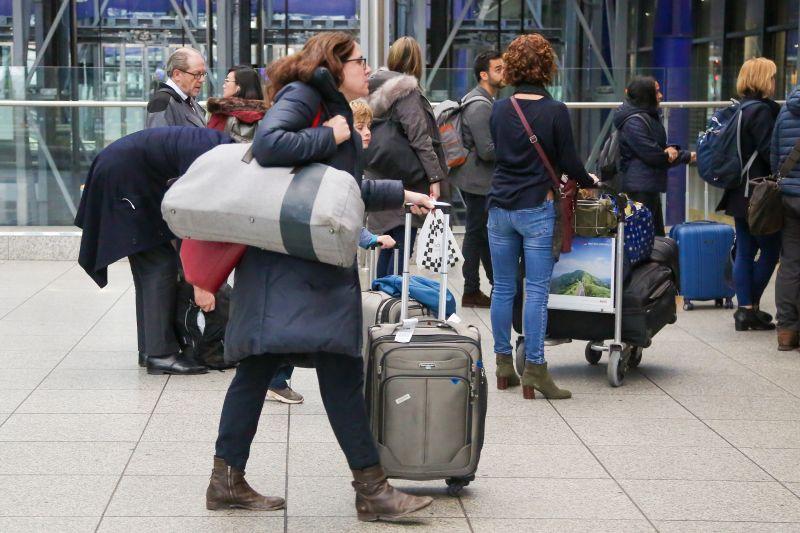 Пассажиры в аэропорт Хитроу