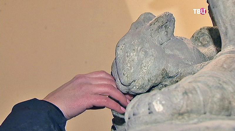 Скульптура кролика