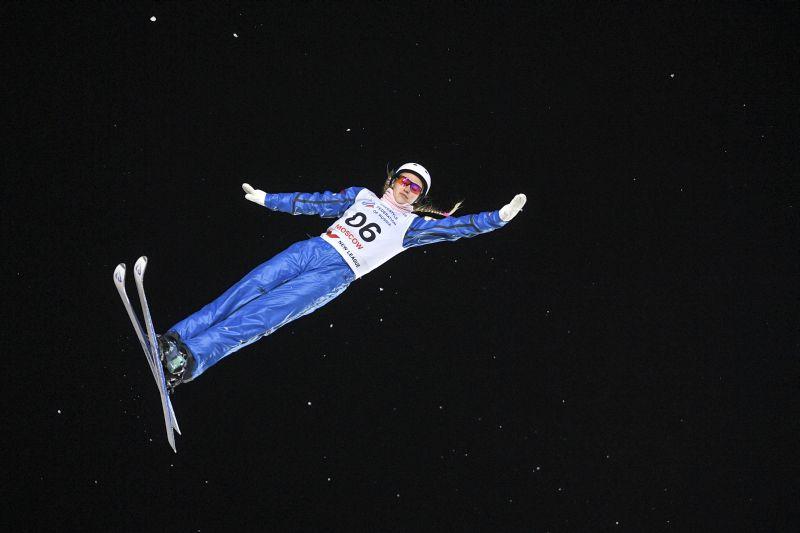 Александра Орлова (Россия) на соревнованиях по лыжной акробатике в рамках этапа Кубка мира по фристайлу в Москве. 6 января 2018 года
