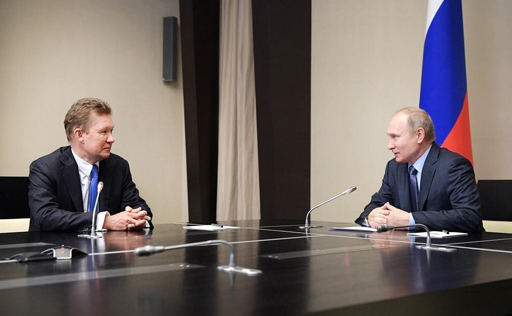 """Владимир Путин и глава компании """"Газпром"""" Алексей Миллер"""