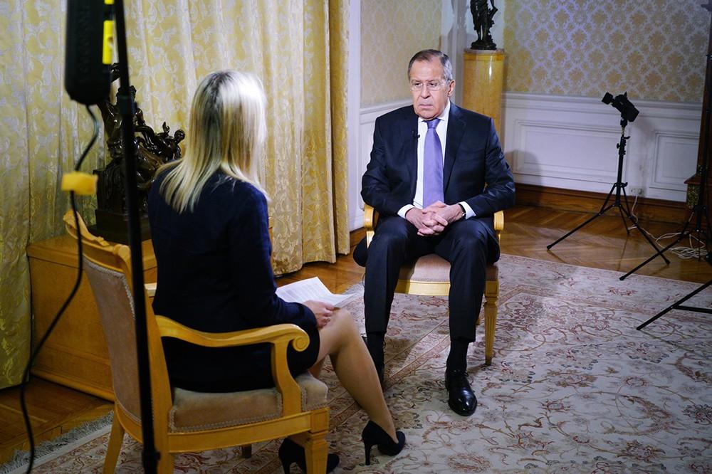 Глава МИД России Сергей Лавров даёт интервью