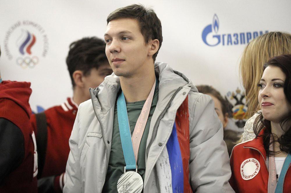 Фигуристы Дмитрий Соловьев на церемонии встречи российских спортсменов - участников Олимпиады 2018