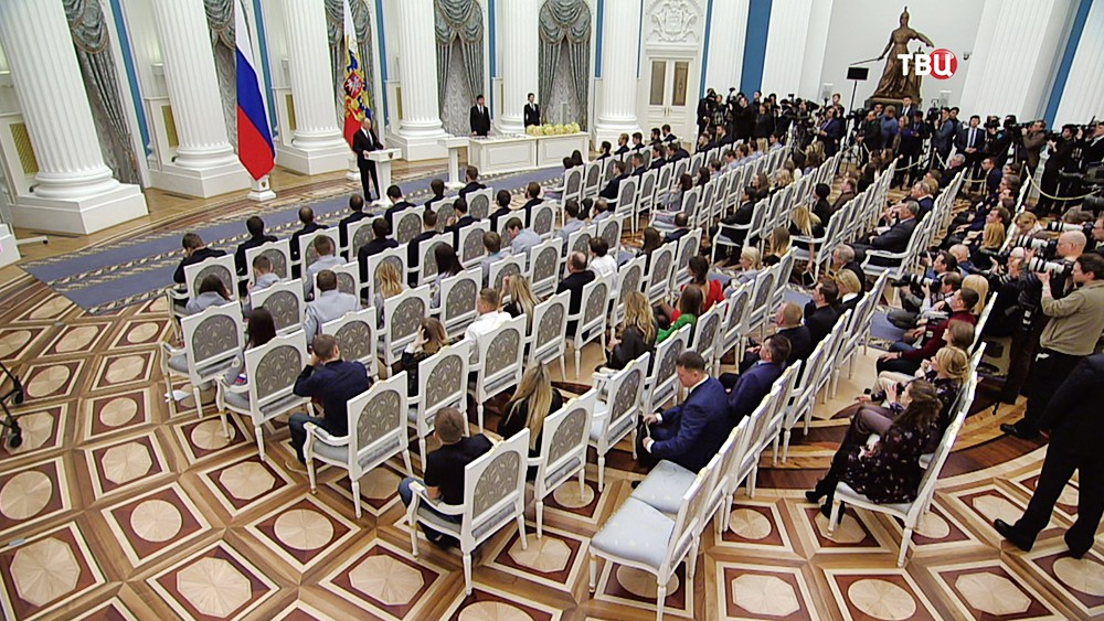 Церемония награждения российских олимпийцев в Кремле