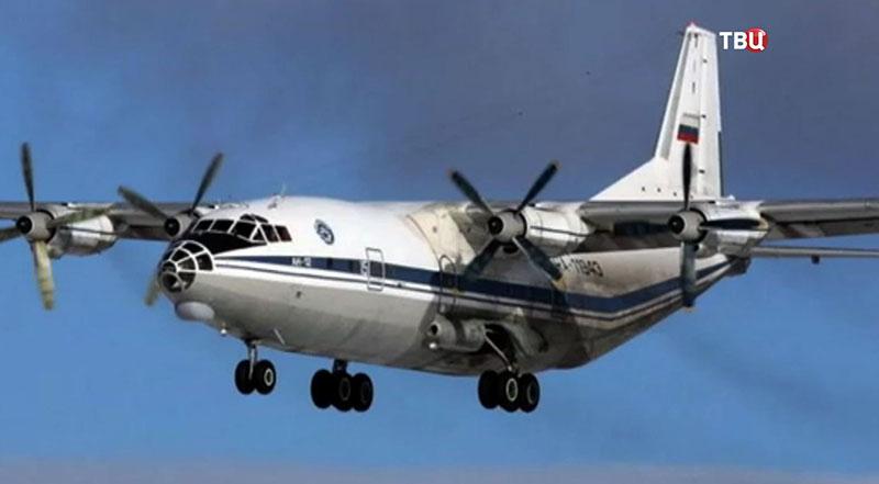 Самолёт Ан-12