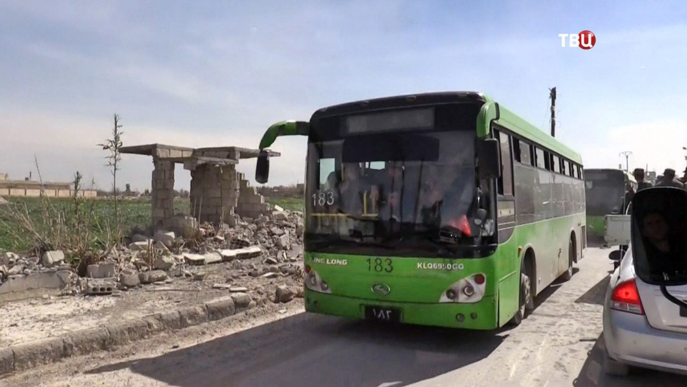 Автобус с беженцами в Сирии