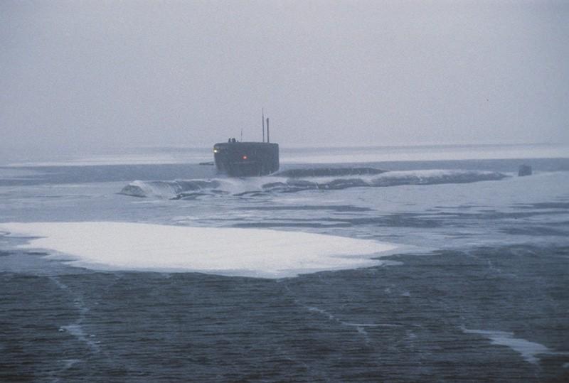 Вовремя отработки «ударов поРФ» подлодка США вмерзла влед