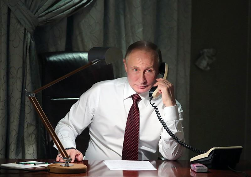 Путин провел телефонный разговор спрезидентом Франции