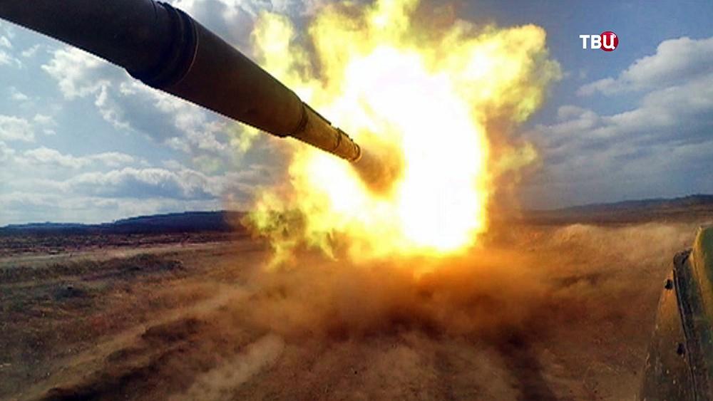 Выстрел из танка