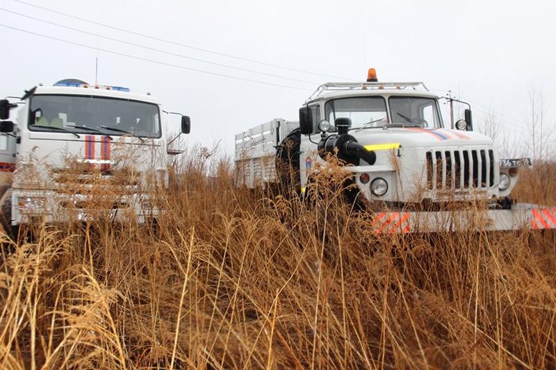 МЧС России на месте падения вертолета Ми-8 в Хабаровском крае