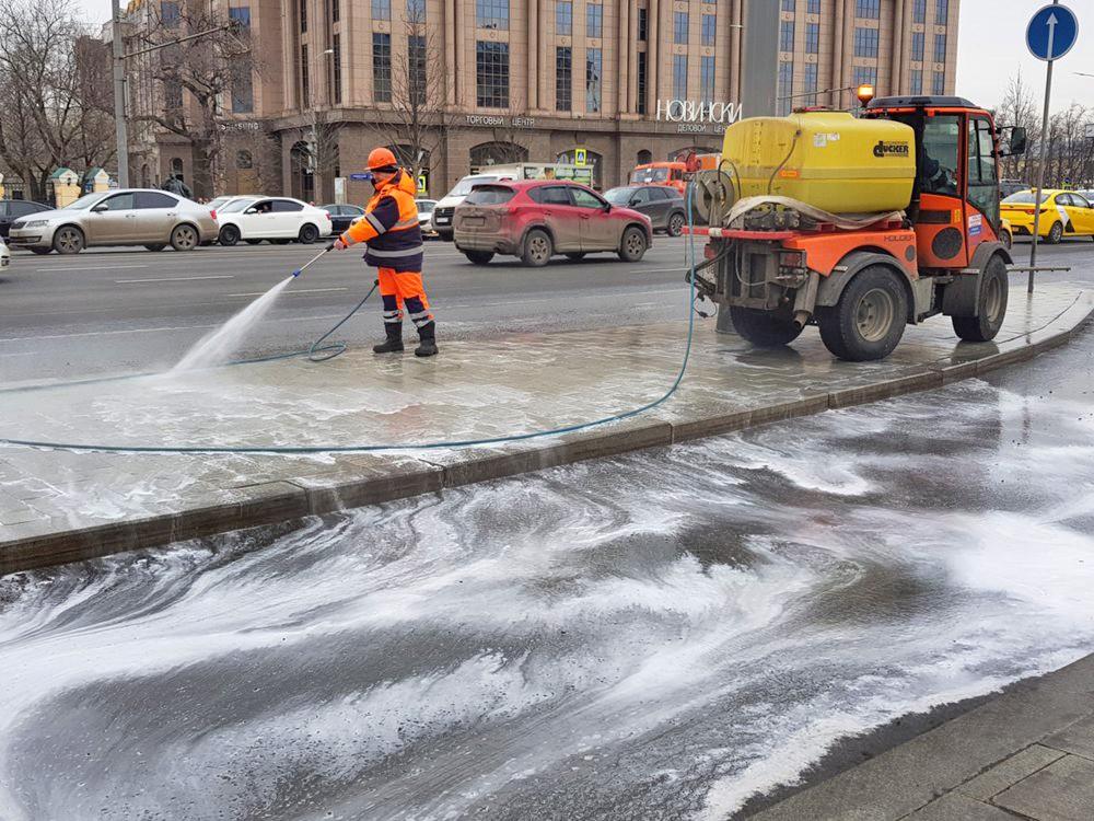 Промывка улиц после зимы