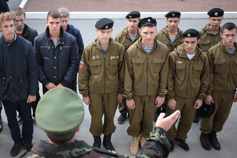 Перовские призывники вместе смуниципальным депутатом побывали наДне призывника
