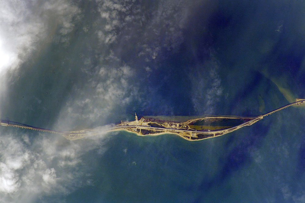 Российский космонавт сфотографировал с МКС Крымский мост