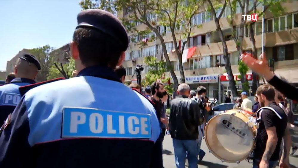 Полиция Армении поддерживает порядок на митинге