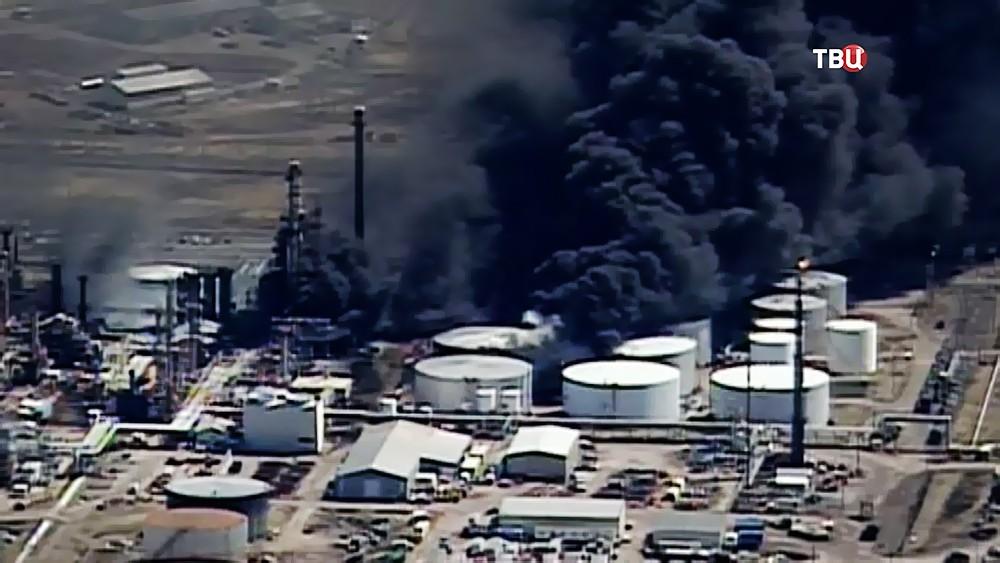 Взрыв на нефтезаводе в США