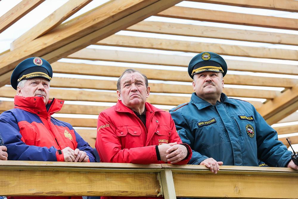 Пётр Бирюков присутствует на учениях МЧС