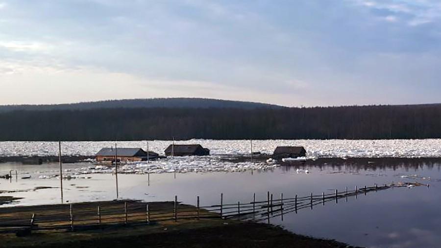 Последствия весенних паводков в Якутии
