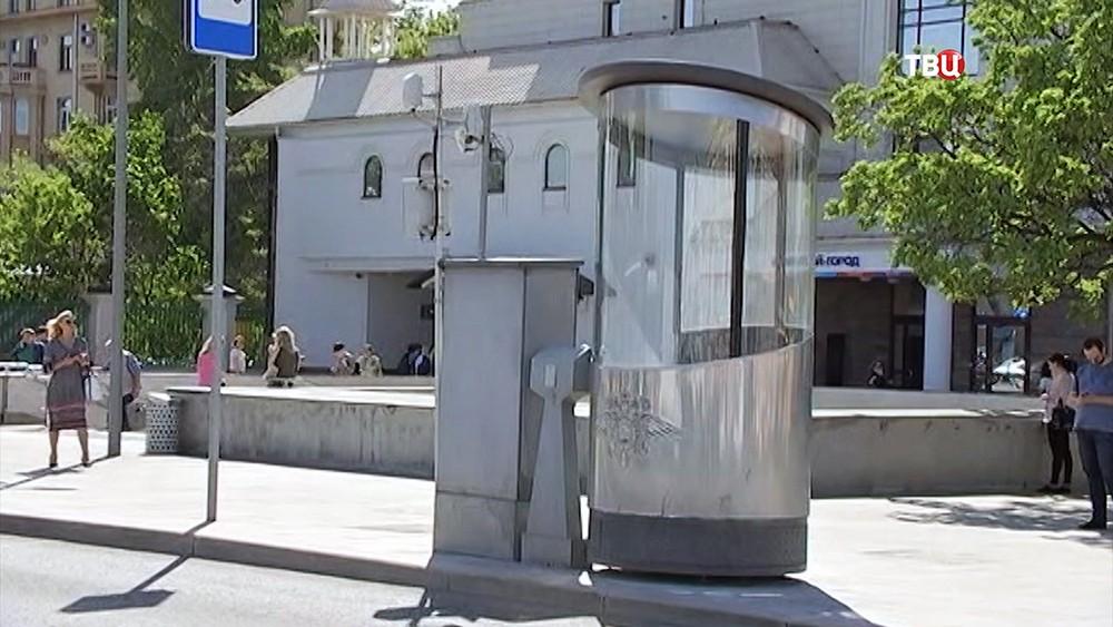 Стеклянная кабина для инспекторов ГИБДД