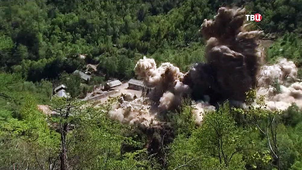 Уничтожение ядерного полигона Пунгери в КНДР