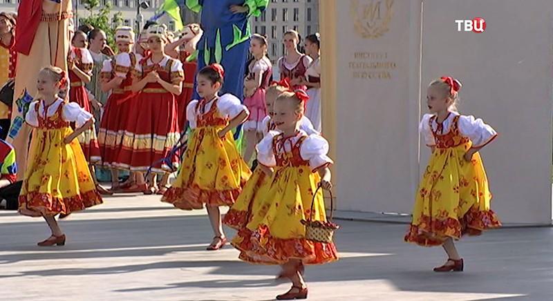 """Фестиваль в парке """"Зарядье"""""""
