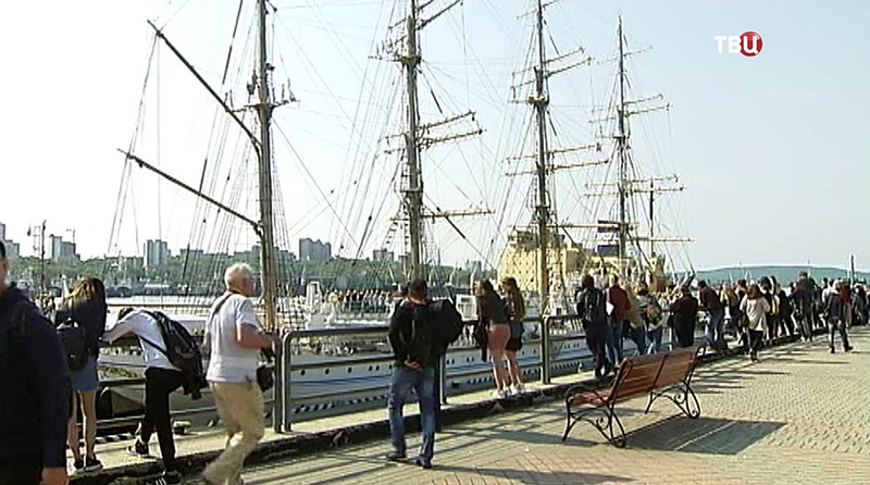 ВоВладивосток прибыл японский парусник «Kaiwo Maru»