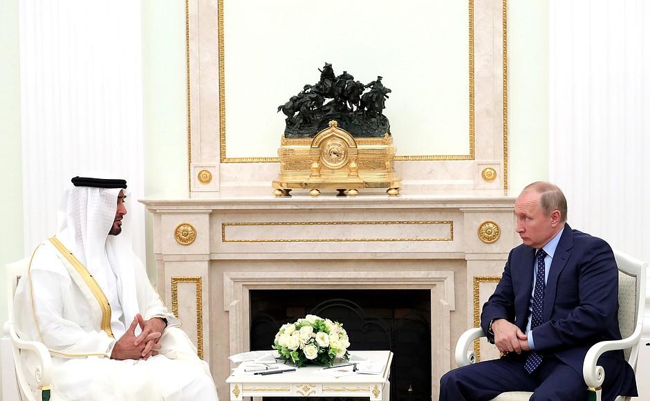 Владимир Путин и наследный принц Абу-Даби Мухаммед Аль Нахайян