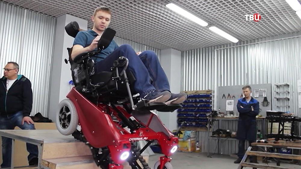 Управляемая коляска-вездеход