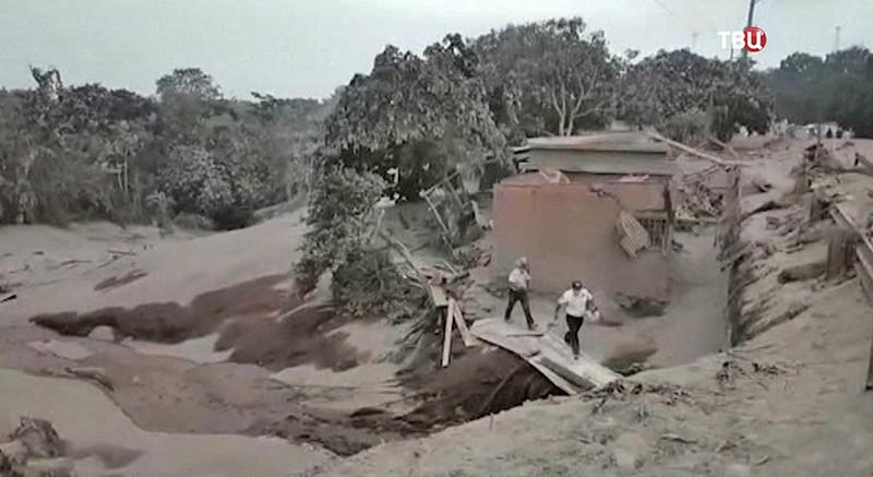 Извержения вулкана в Гватемале