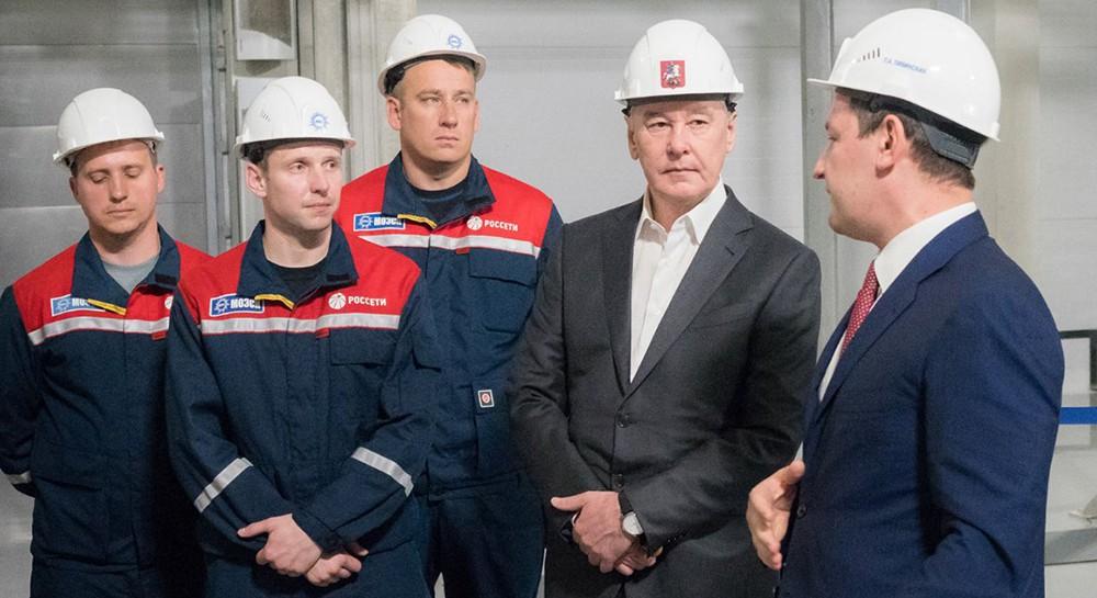 Сергей Собчнин осмотрел новую подстанцию