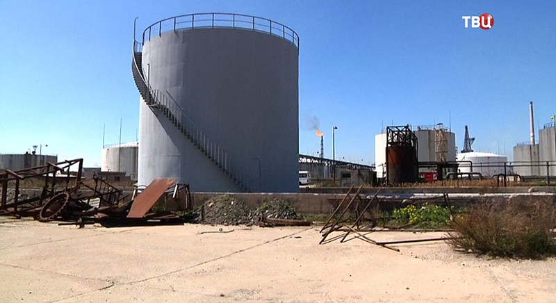 Нефтеперерабатывающий завод в Сирии
