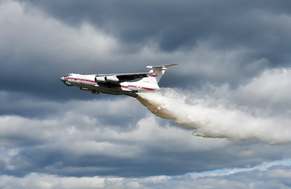 Самолёт МЧС России Ил-76