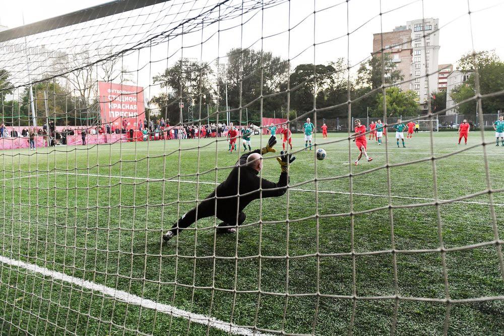 Футбольный матч между командами Госдумы и Бундестага