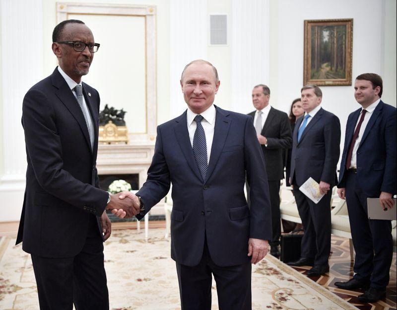 Владимир Путин и Поль Кагаме