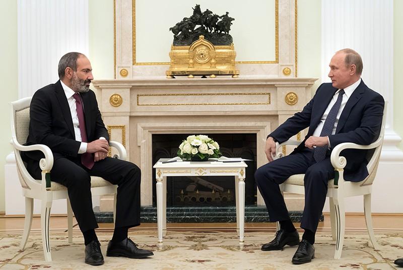 Президент России Владимир Путин и премьер-министр Армении Никол Пашинян
