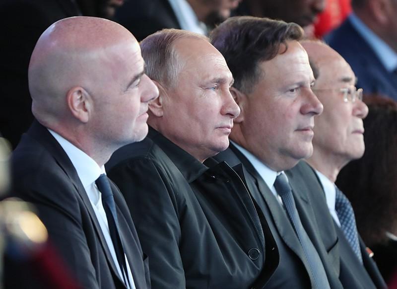 Президент России Владимир Путин во время гала-концерта звёзд мировой оперной сцены