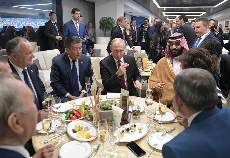 Владимир Путин в перерыве стартового матча группового этапа чемпионата мира по футболу между сборными России и Саудовской Аравии