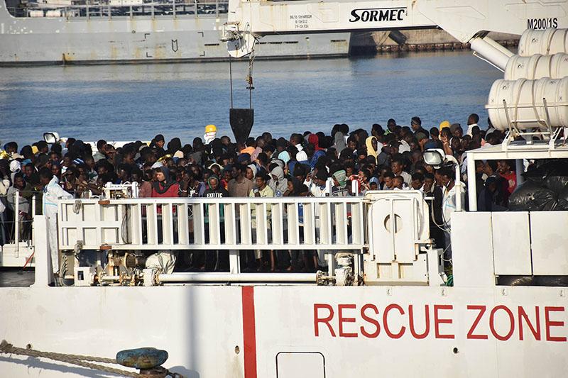 Беженцы на судне