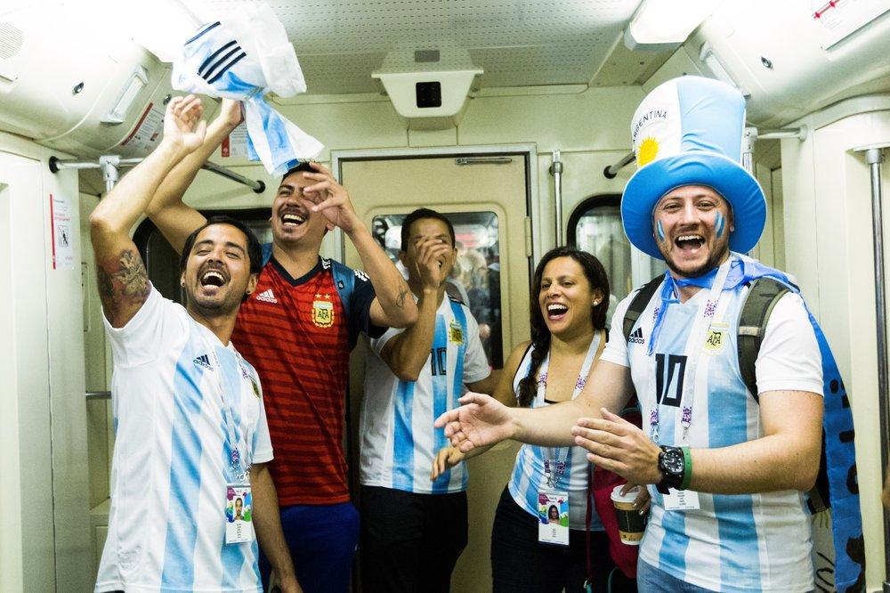 Болельщики Аргентины в московском метро